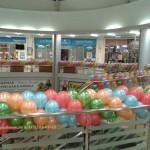 оформление шарами торгового центра